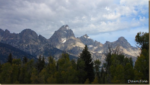 Drive in tetons_20090913_065
