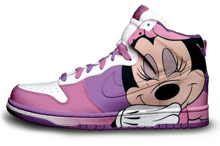 Gambar : Nike-shoes-design-miney-mouse