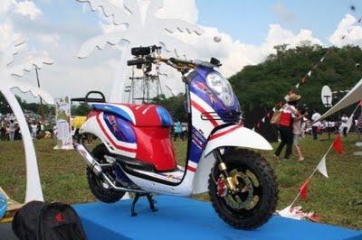 Foto Modifikasi Motor Honda Scoopy | Honda Scoopy Spesifikasi & Harga