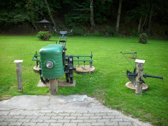 Ciągnik - wystawa maszyn rolniczych w oliwskim zoo