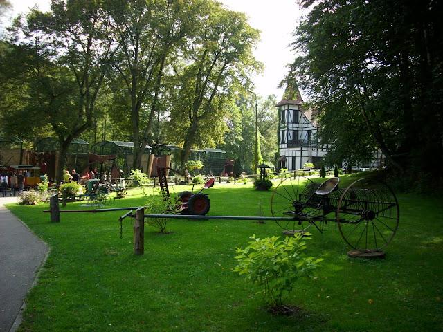 Wystawa maszyn rolniczych w oliwskim zoo