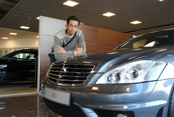 Melawat Mercedes Benz World di Surrey bersama Adeq