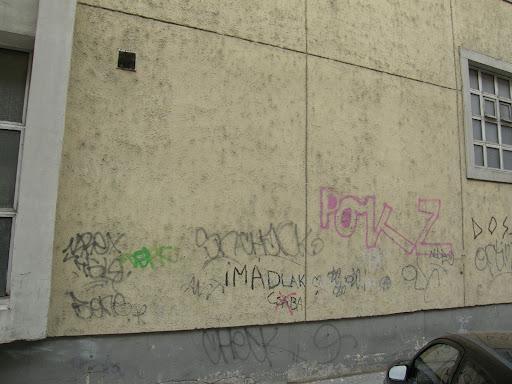 police building, graffiti,Budapest,  blog, Balzac utca, XIII. kerület, Felkai utca, Pannónia utca, Felka utca, Pártgarázs, garázs, parkolás, street art,  teg, falfirka, tegelés, rendőrség    writers