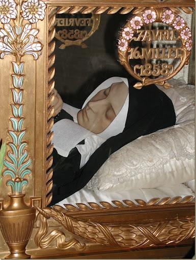 Corpo incorrupto de Santa Bernadette em Nevers