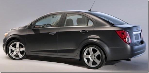 Chevrolet-Sonic_Sedan_2012_1600x1200_wallpaper_04