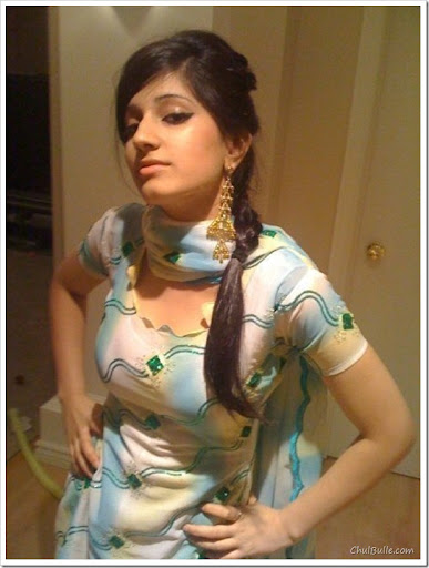 Chulbulle Funny Pics : Hot Pictures: Hot Indian Facebook ...