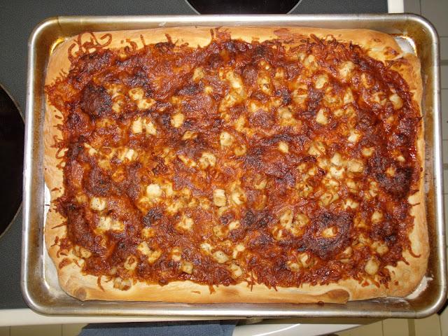 Spicy barbecue chicken pizza recipe | One Mama's Daily Drama