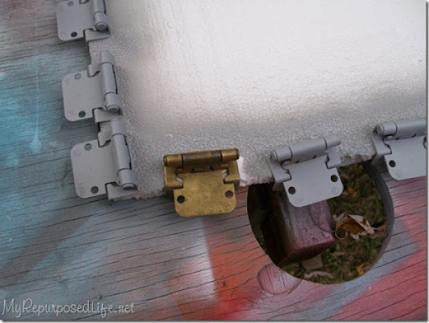 spray paint hinges