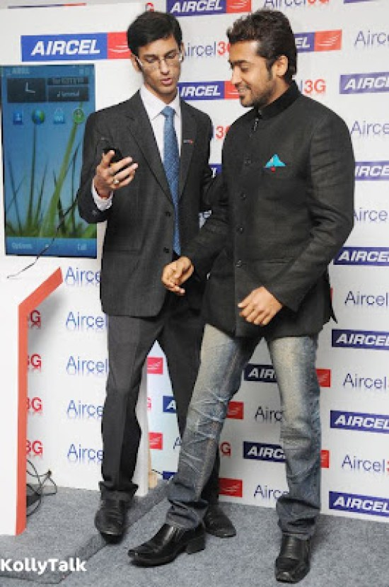 Surya launches Aircel 3G Stills 4