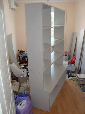 Почти готовый шкаф-стеллаж