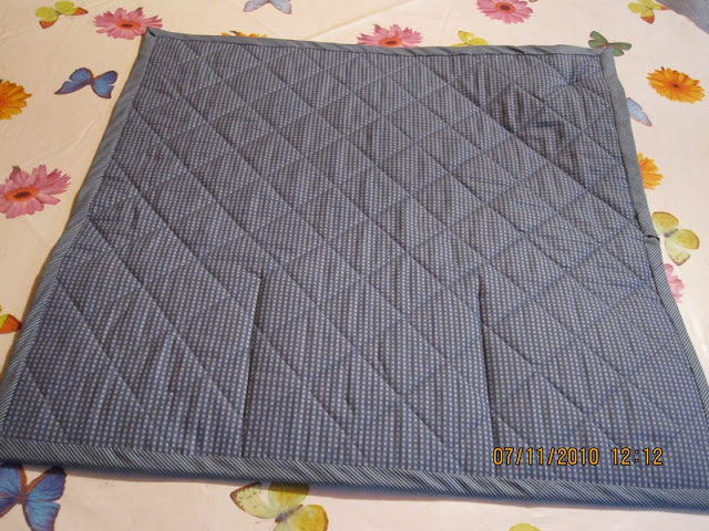 tapis de machine coudre pour m man le blog d 39 isae. Black Bedroom Furniture Sets. Home Design Ideas