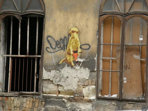 Budapest,  blog, Baross utca, VIII. kerület, romok, műemlék, Kétfarkú Kutya Párt, hód