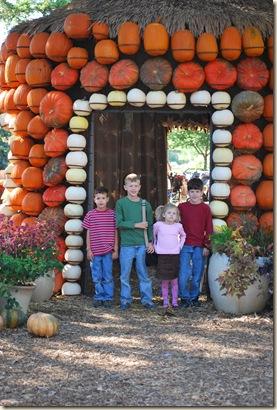 kids in doorway
