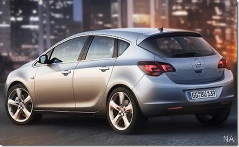 2010-Opel-Astra-5