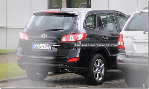 2010-Hyundai-Santa-Fe-10