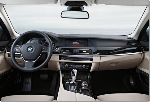 BMW-5-Series_2011_800x600_wallpaper_28