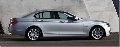 BMW-5-Series_2011_800x600_wallpaper_0e