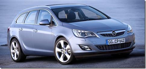 Opel-Astra_Sports_Tourer_2011_800x600_wallpaper_02