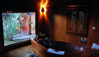 Inle Prince Resort Bathroom