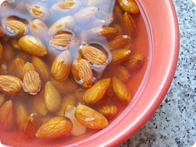 almond milk1