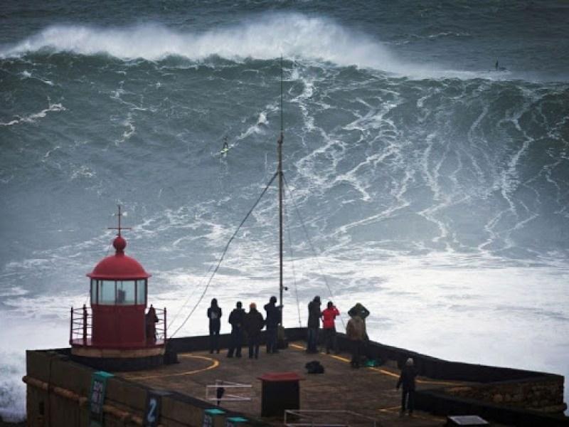 nazare-big-waves-5