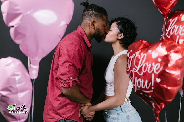 couple-kiss-valentine-day