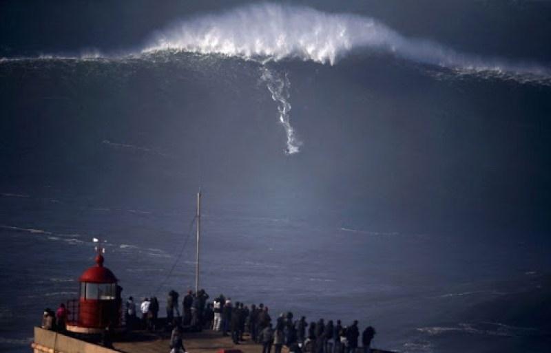nazare-big-waves-7