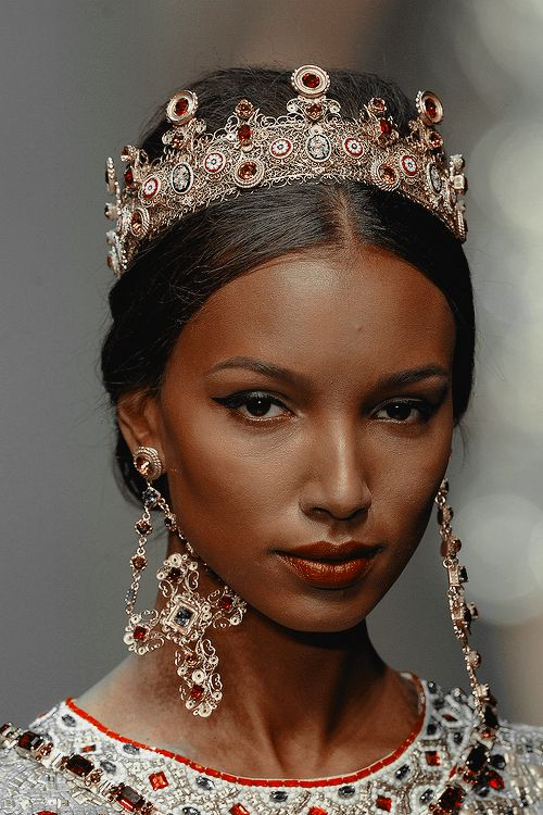 BEAUTIFUL HAIR ACCESSORIES LOOK FOR SOUTH AFRICAN WOMEN 5