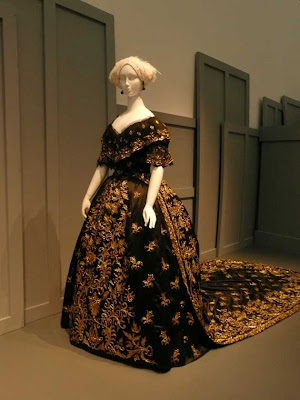 LACMA Fashioning Fashion exhibit Victorian