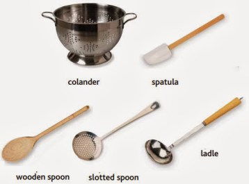 colander, spatula, wooden spoon, slotted spoon, ladle
