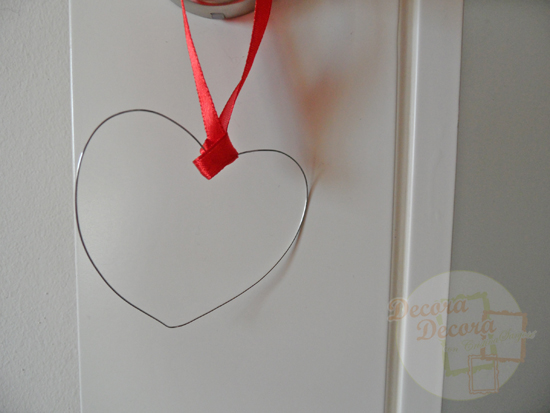 Corazón de alambre para decorar en San Valentín.