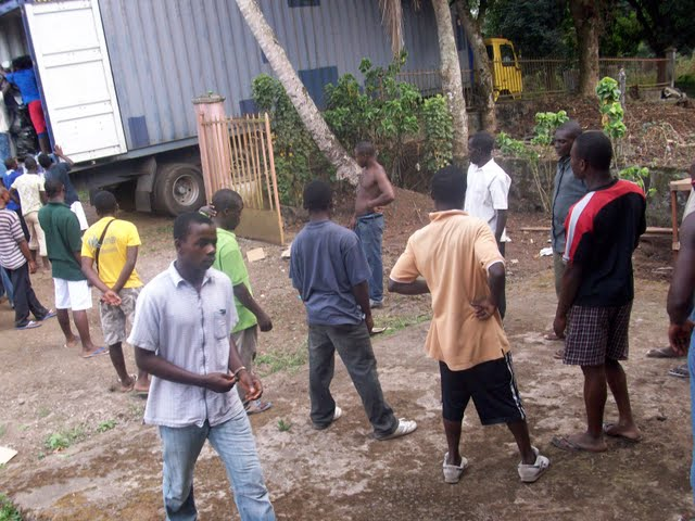 Container Arrival & Offloading in Buea - 100_9077.JPG