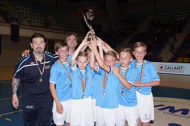 Devolder Ingelmunster U13 winnen finale Beker van België minivoetbal