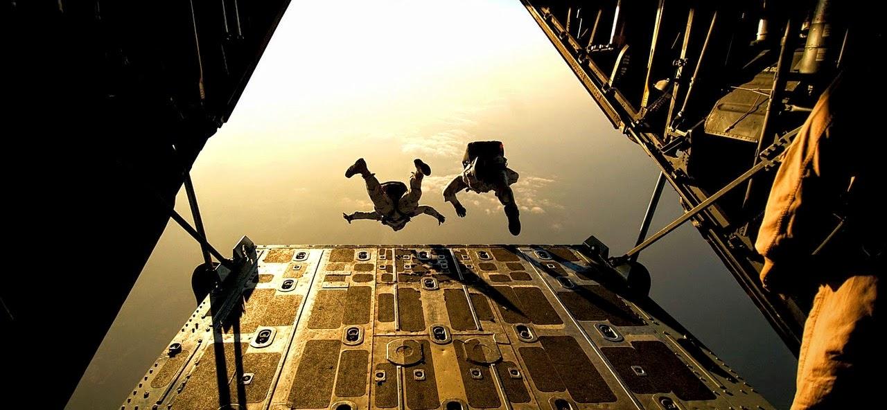 parachute-658397_1280.jpg