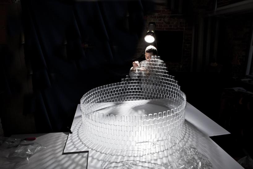 *透明的LEGO大型水晶吊燈:設計師Tobias Tøstesen親手編造! 4