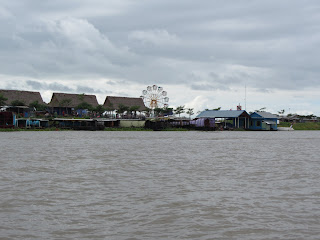 0013Tonle_Sap_Lake_Floating_Village