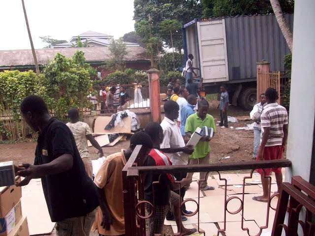 Container Arrival & Offloading in Buea - 100_9110.JPG