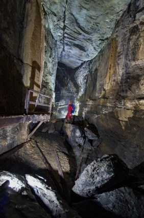 grotte des eaux chaudes