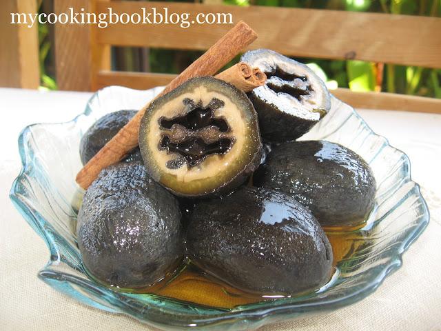 Сладко от зелени орехчета
