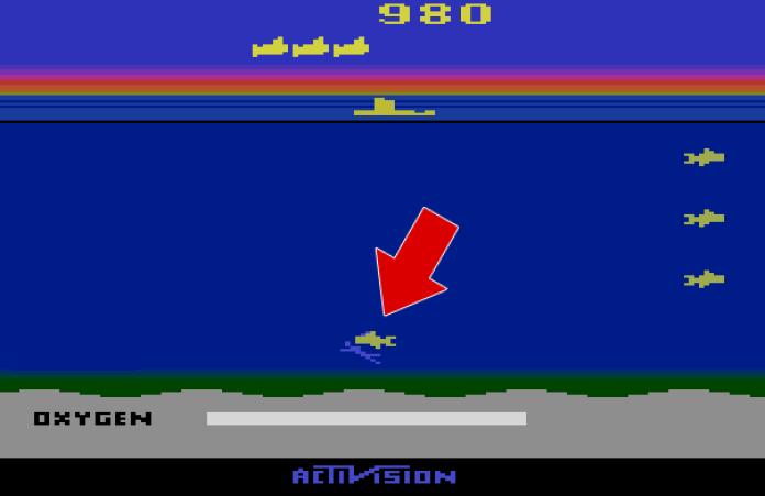 Mergulhador e inimigo juntos em tela do game Seaquest, de Atari 2600