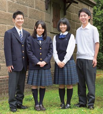 北海高等学校の女子の制服2