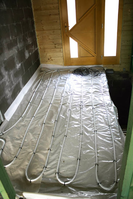 Podlahovka v chodbe
