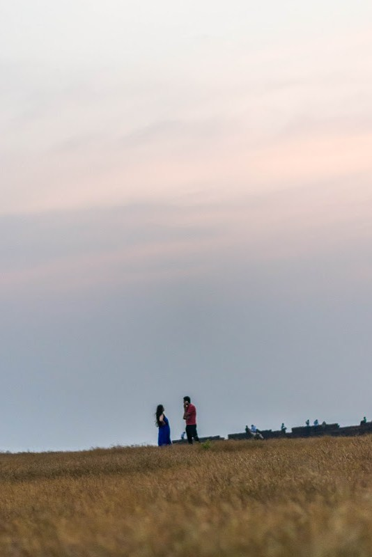 couple at chapora fort goa