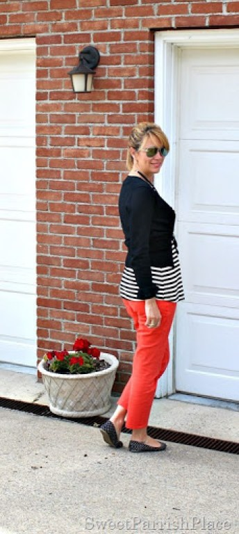 coral-jeans-black-striped-shirt-black-cardigan4