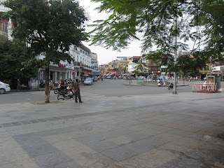 0045The_Streets_of_Hanoi