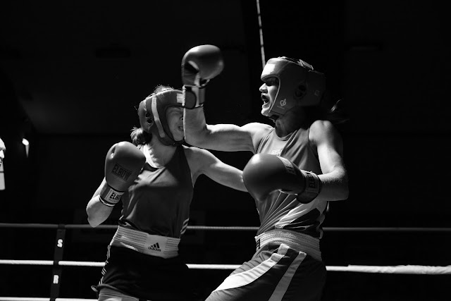 Oshin Derieuw bokst in Frankrijk