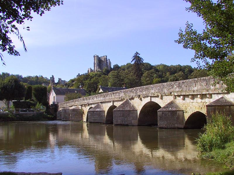 coeur-val-de-loire-tourisme-lavardin-plus-beau-village-de-france-vue-du-loir©ADT41-enola