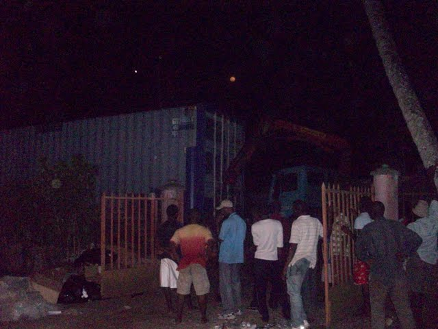 Container Arrival & Offloading in Buea - 100_9131.JPG
