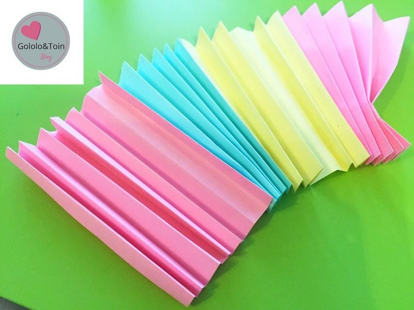 manualidades-doy-verano-niños-faciles-abanico-folios-colores-palos-helados