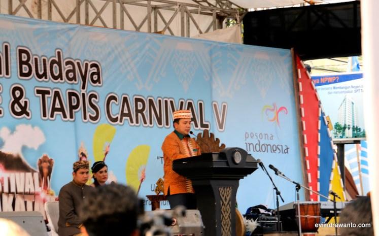 pembukaan karnaval budaya festival krakatau 2015